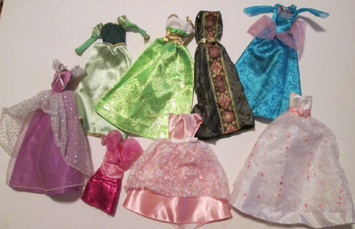BARBIE Doll Fashions lot 8 pieces clothes party dress & gowns