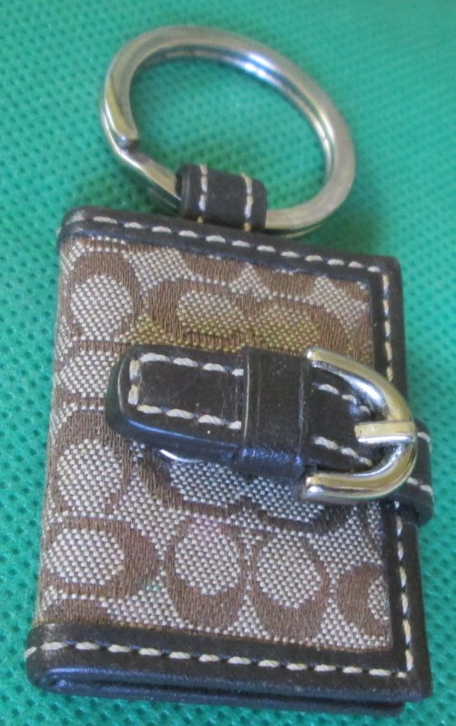 COACH classic signature logo 2 photo holder keyring key chain