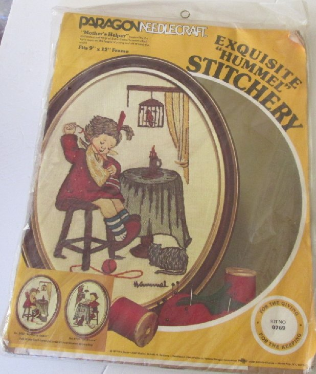 1977 PARAGON Needlecraft Stitchery HUMMEL Mother's Helper kit