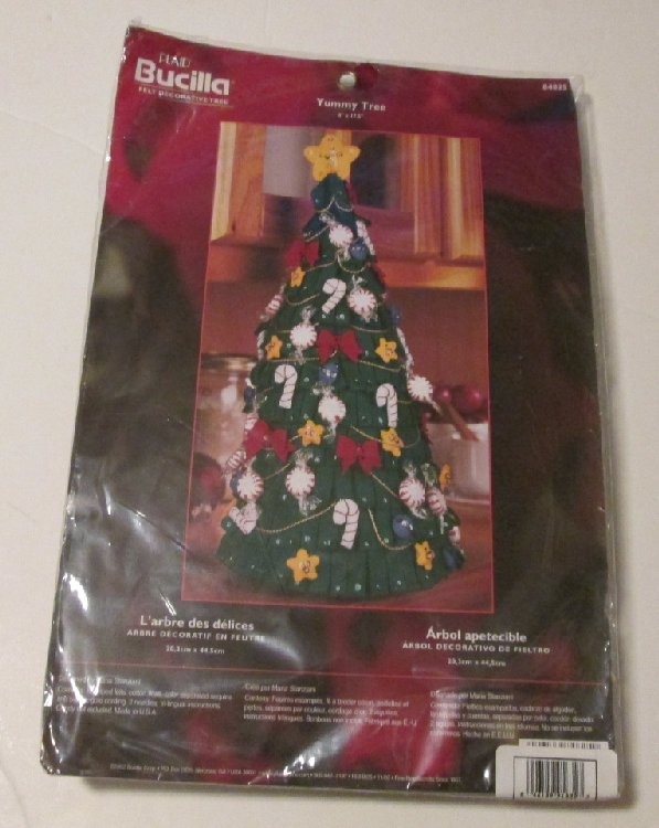 "BUCILLA Felt Decorative Christmas YUMMY TREE 8""x17.5"" Kit MIP"