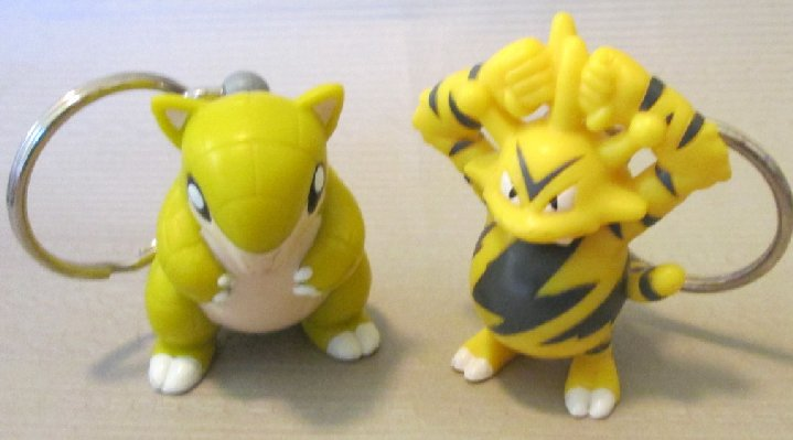 POKEMON lot of 2 PVC figure keyring SANDSHREW & ELECTABUZZ
