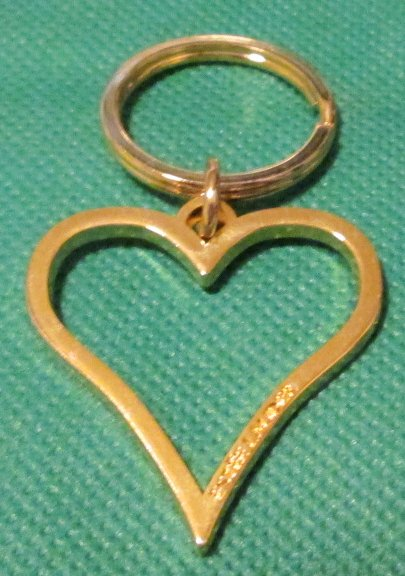ESTEE LAUDER goldtone metal heart keyring key chain 1.5""