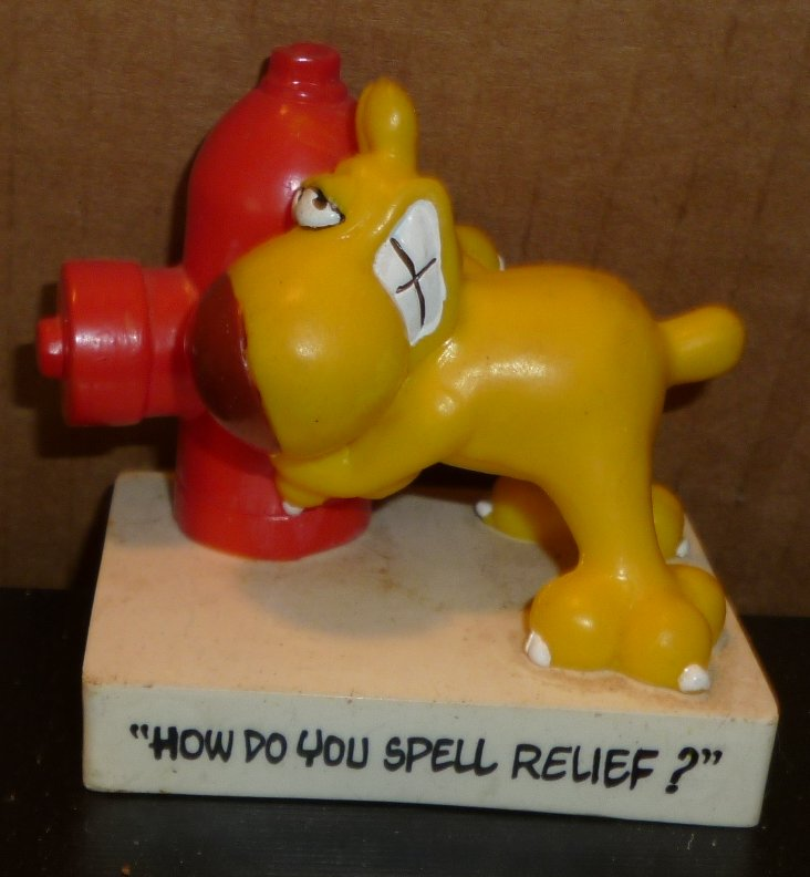 Mother Goose & Grimm GRIMMY PVC Figure dog HOW DO SPELL RELIEF