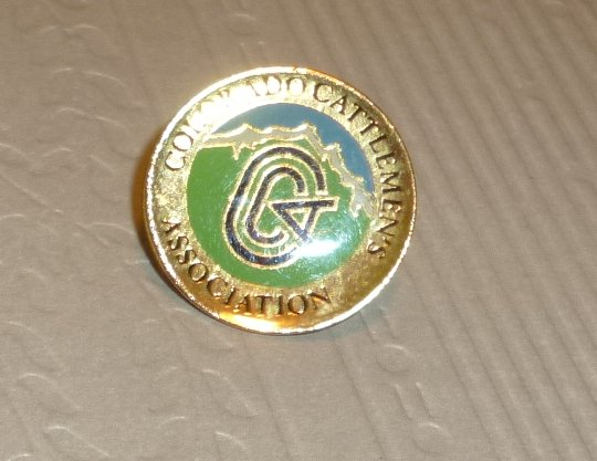 COLORADO CATTLEMEN'S ASSOCIATION round lapel Pin 0.75""