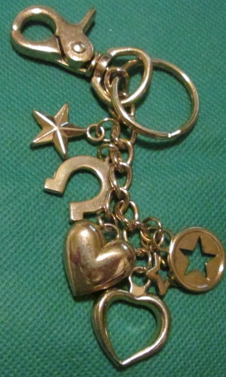 Goldtone metal charms heart star horseshoe dangling keyring - Click Image to Close