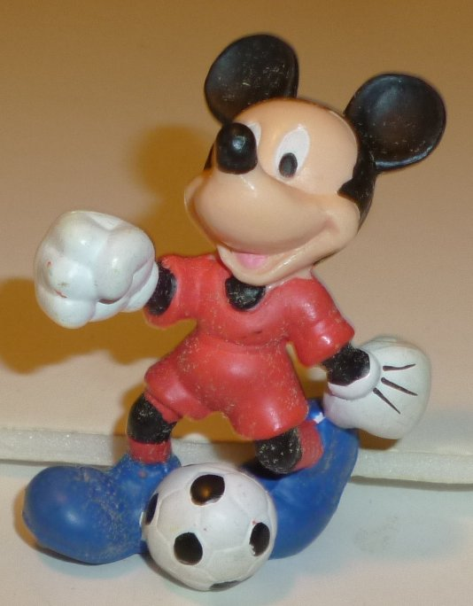 "MICKEY MOUSE soccer player PVC Figure 2.25"", Disney"