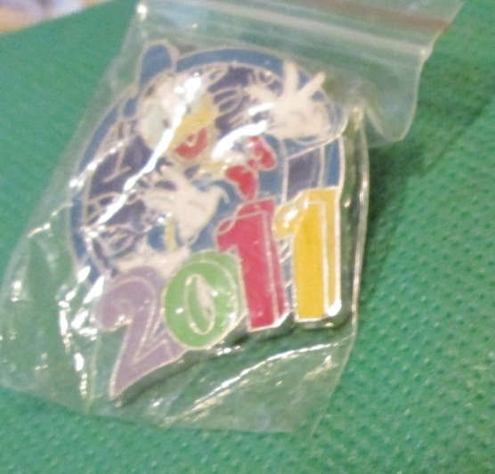 Disney DONALD DUCK Celebrating 2011 pinback trading pin