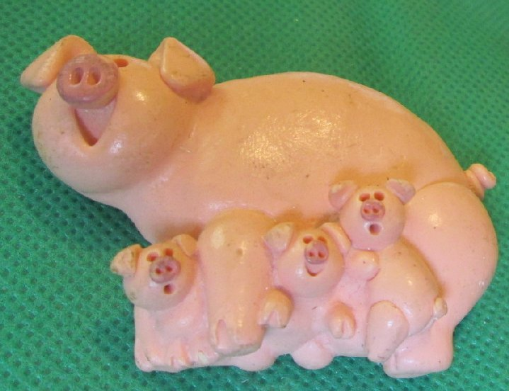 "PIG with babies refrigerator frig MAGNET 3"" long"