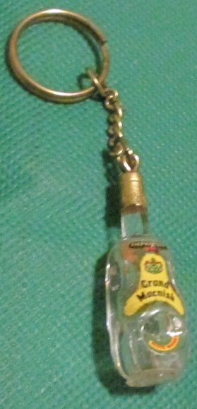 GRAND MACNISH Scotch Whiskey bottle keyring key chain 2""