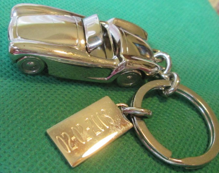 RL Silvertone CAR metal keyring key chain 2.25""