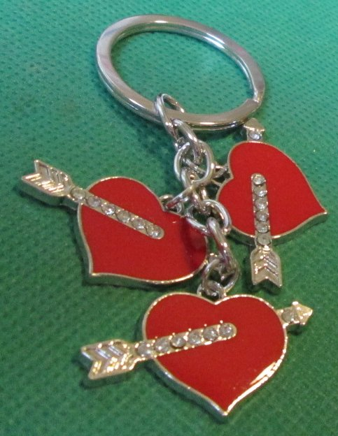 Three red HEARTS arrows metal dangling charms keyring key chain