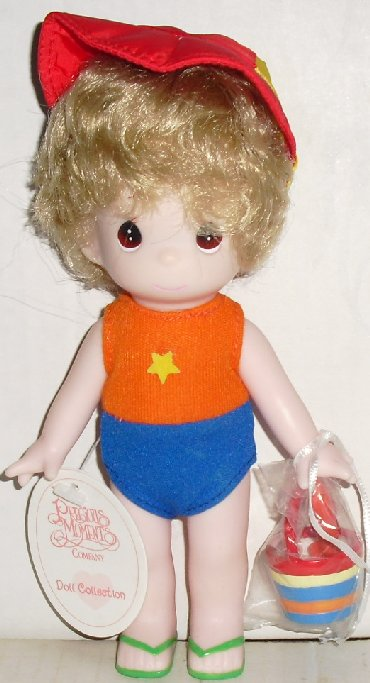 PRECIOUS MOMENTS Sandy beach girl vinyl doll dressed 7""