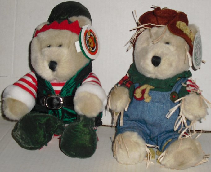 STARBUCKS Plush Bearista Bear lot 17 Elf & 16 Scarecrow