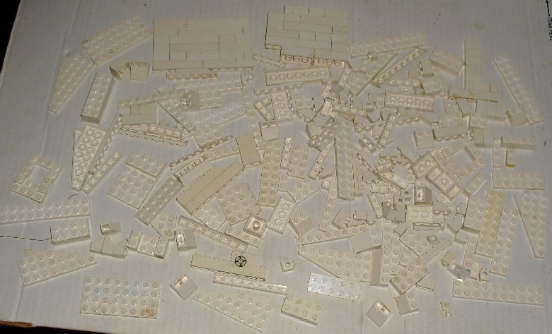 LEGO Lot boxlot WHITE bricks, plates & parts about 11 OZ
