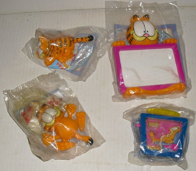 Lot of 4 New GARFIELD fast food WENDY'S toys MIP