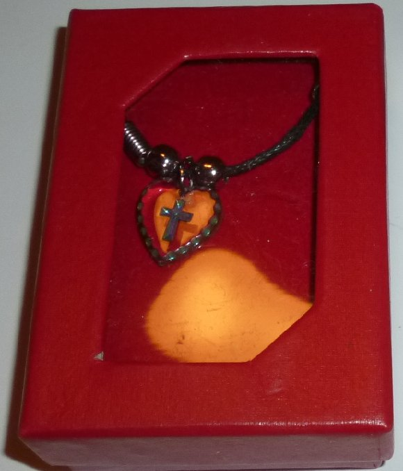 CROSS on Crystal heart Pendant Necklace, Mint in Box