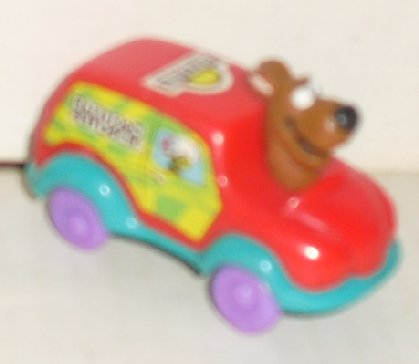"SCOOBY-DOO in red car 2.75"" DAYS INN"