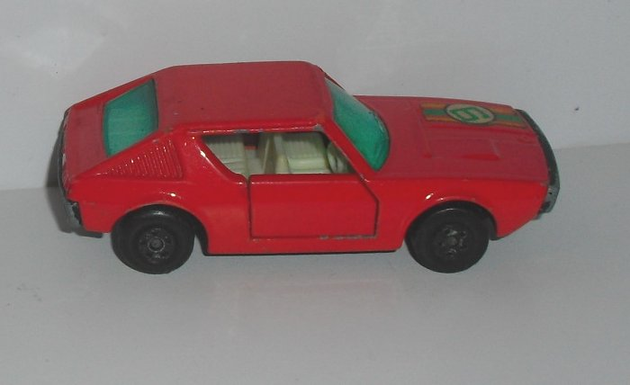 Vintage LESNEY Matchbox no 62 RENAULT 17 TL toy Car