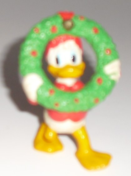 "DONALD DUCK PVC Figure Christmas Wreath 2.5"", Disney Applause"