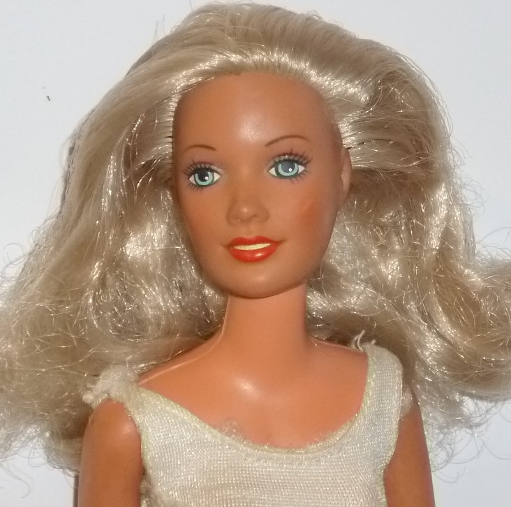 Vtg DARCI Cover Girl Fashion Doll blonde 1978 Kenner