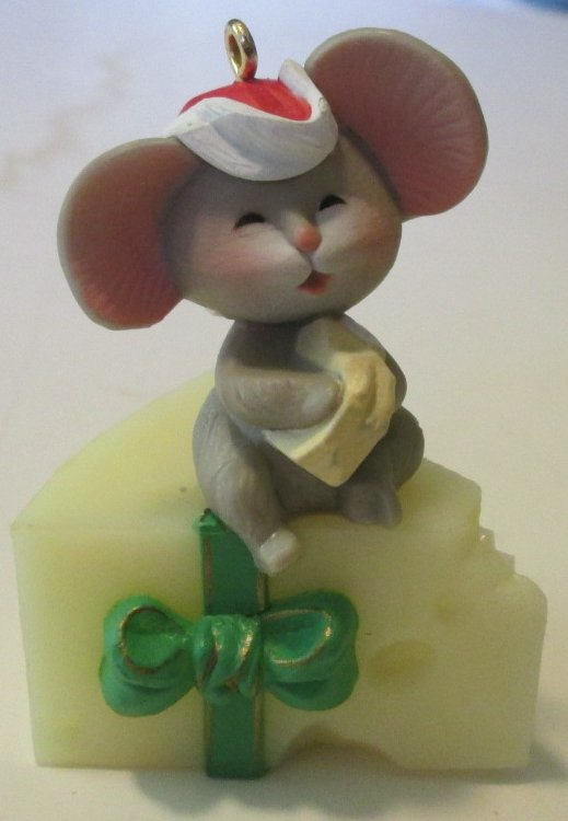1983 Hallmark Ornament Mouse on Cheese