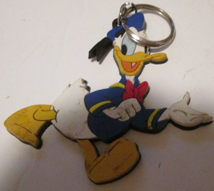 Disney DONALD DUCK flat PVC keyring key chain 3""