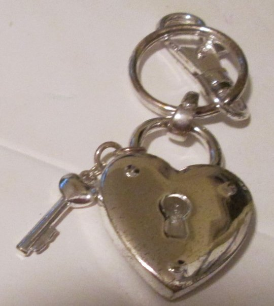 "HEART & KEY metal charms keyring key chain clip-on 2"" - Click Image to Close"