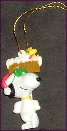 Peanuts SNOOPY PVC Figure leaning on sign Ornament