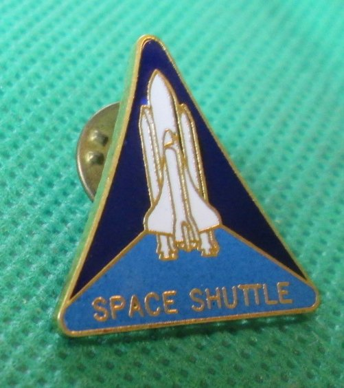 NASA SPACE SHUTTLE Pinback Lapel Pin 1""