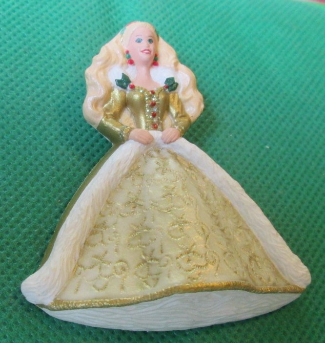 1996 Hallmark HOLIDAY BARBIE Pin 2.5""
