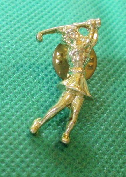 Lady GOLFER Golf goldtone pinback Pin 1.25""
