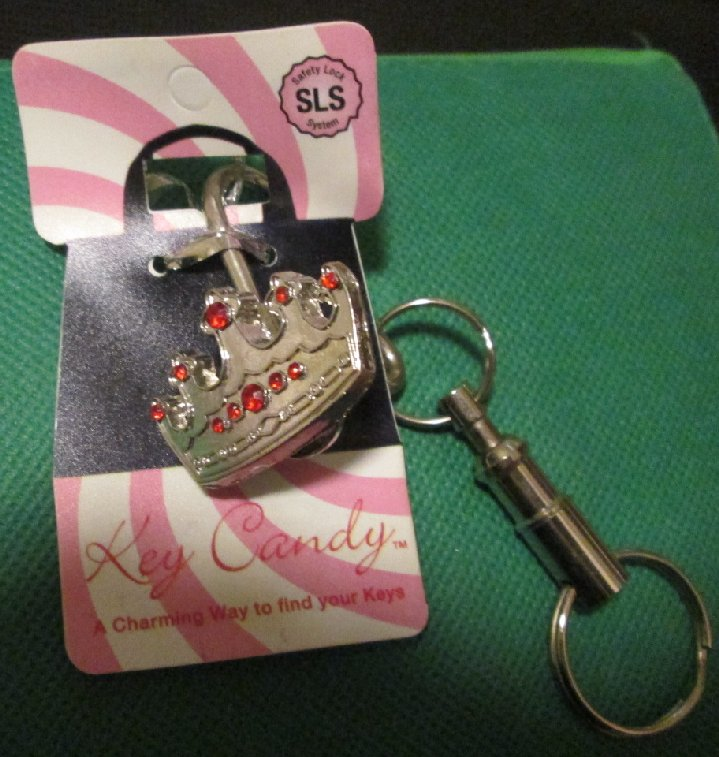 KEY CANDY CANE silvertone Crown metal keyring key chain MOC