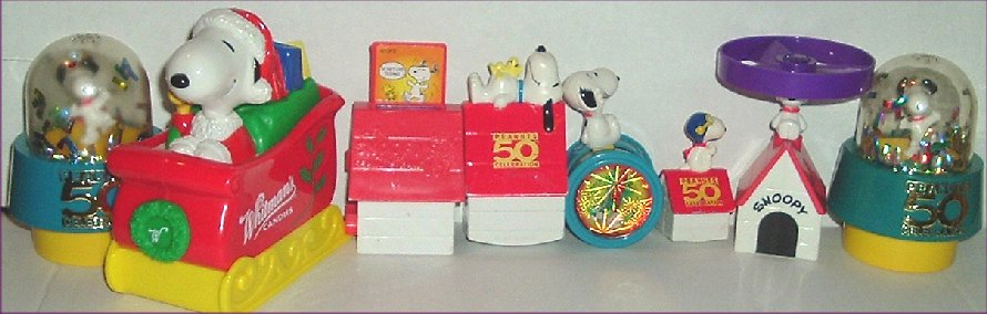 Peanuts Lot of 8 SNOOPY Dog Fast Food Toys