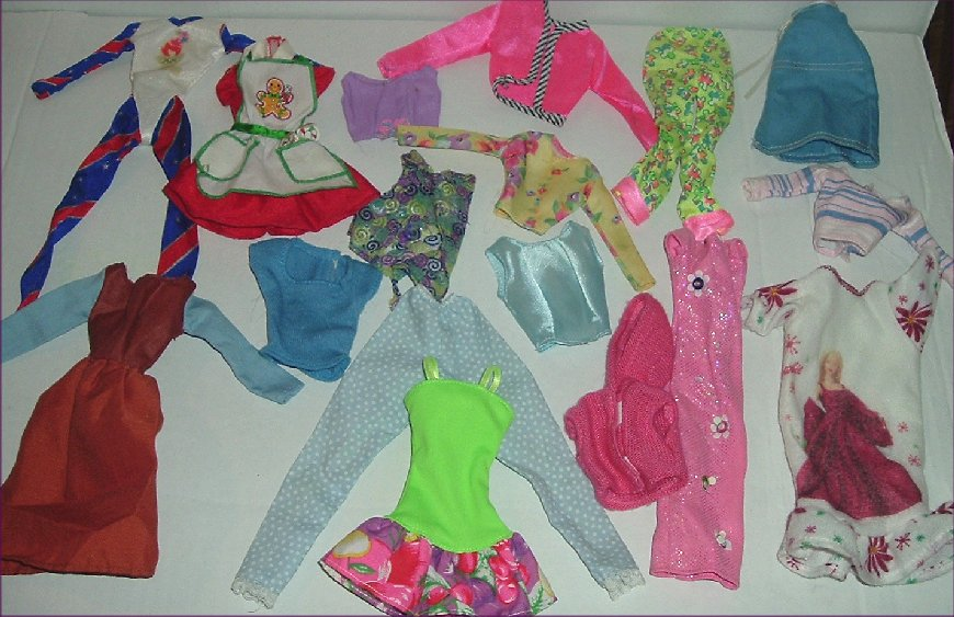 BARBIE Doll Fashions Lot of 17 clothes Clothing
