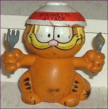 GARFIELD Cat PVC Figure Spaghetti Attack 2.5""