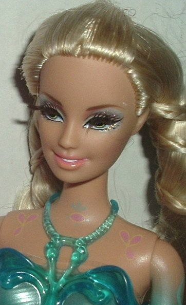 BARBIE Doll blonde, eyelashes molded outfit w/shirt