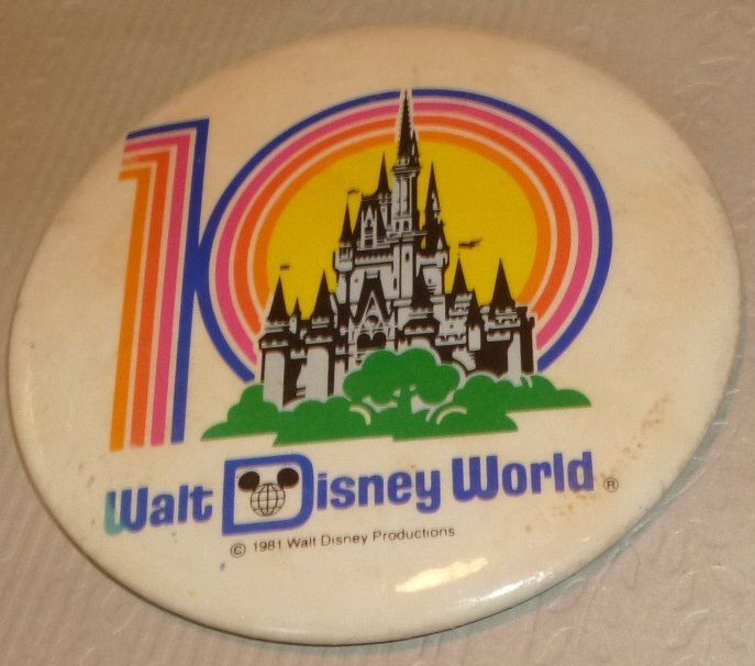 "Vintage 1981 DISNEY WORLD 10 year round button Pin 3.5"", Disney"